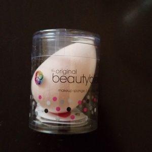 NWT Original Beauty Blender